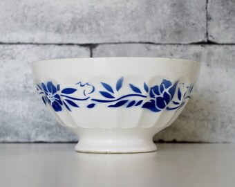 Vintage cafe au lait bowl. Coffee bowl . Extra large. Blue. Vintage french bowl. Shabby chic. Vintage Kitchen // C583
