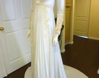 Beautiful Vintage Regency Style Wedding Gown W/ Floral Applique ,Accordion Pleats & Cathedral Train