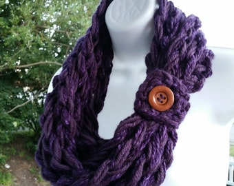 Chunky Purple Scarf, Purple Infinity, Eggplant Scarf, Purple Chunky infinity, Purple Cowl, Infinity Cowl, Purple scarves, Button Scarf Cowl