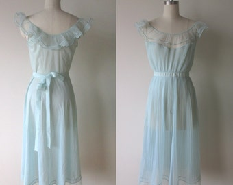 50's-60's Vanity Fair Aqua blue accordion pleated Chiffon Gown size 32 small