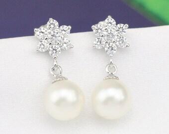 wedding pearl earrings,8mm ivory white pearl earings,pearl bridal earings,pearl dangle earings,rhinestone crystal flower pearl earrings