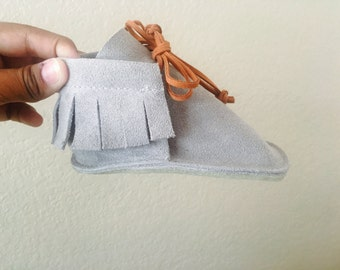 Moccasin Boots in Grey
