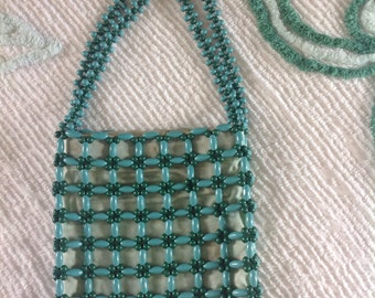 Gorgeous mint green and aqua beaded bag......vintage from the 60s......wooden beads.....mint condition
