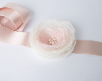 Blush Pink Flower Bridal Sash, Pale Pink Sash, Bridal Gown Sash, Blush Pink Belt, Ivory Flower Belt, Wedding Dress Sash, Formal Dress Sash