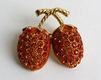Cute Vintage Gold Tone Strawberry Figural Pin Brooch