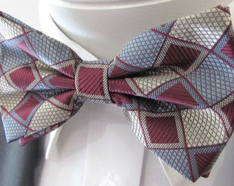 Burgundy Silver And Tan Diamond Design PreTied Bow Tie