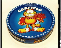 Collectible Garfield Cookie Tin / Collectible Garfield Tin /Storage Tin/Re-gift Tin/Valentines Tin/Tin Box/Best Gift Idea / F1633