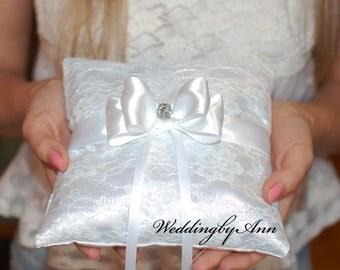 White Ring Bearer Pillow, Wedding Pillow, Wedding Ring Pillow, Ring Bearer, Purple, Bridal shower gift, Rustic Wedding