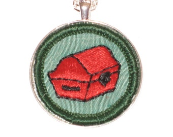 Red Treasure Chest Necklace Collector Authentic Girl Scout Badge Silver Pendant Chain 24 Inches Pirate Gift