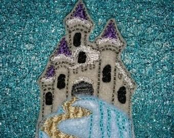 Set of 4 Frozen Sisters Princess Ice Palace Castle Feltie Felt Embellishment Bow! Birthday Party Decoration Felties