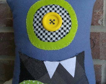 Critter Monster Pillows, Stuffed Monster Toys-blue yellow eye