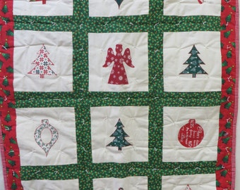 "Christmas Holiday Quilt ! Measures 32 by 43"" Perfect Holiday Christmas Gift Idea !"