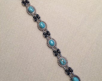 Turquoise and Silver Beaded Bracelet 2