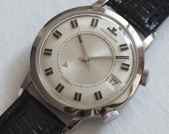 Beautiful vintage Jaeger-LeCoultre Memovox (wrist alarm watch) with very rare dial, late 60s to early 70s, in excellent condition