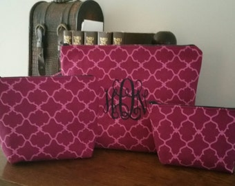 Set if 3 embroidered cosmetic bags