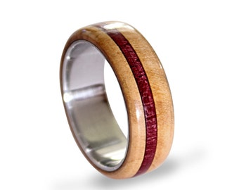Titanium men ring with beech wood and amaranth wood inlays