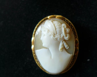 14K Gold Yellow Gold Estate CAMEO Fine Filigree 1.5 x 1.15 Excellent Quality and Condition