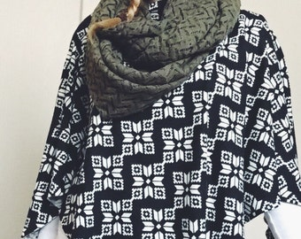 Black and White Snowflake Sweater Knit Poncho