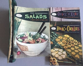 GOOD HOUSEKEEPING'S Cook Book Booklets in Binder Spine Hearst Corporation (c) 1958