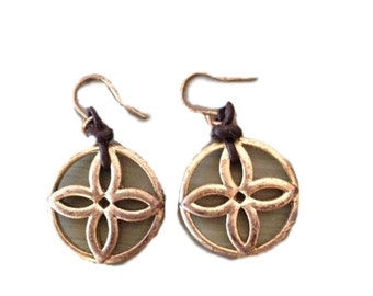 Vintage Gold Floral Pattern Dangle Earrings