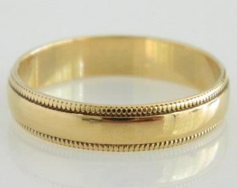 Wonderful 10K Yellow Gold Wedding Band size 7