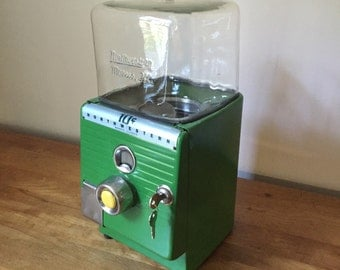 Vintage 1950's Northwestern Model 49 peanut / gumball machine restored in perfect working order