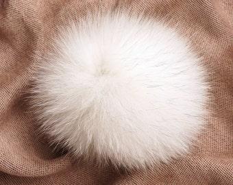 Real Fur Pom Pom Hat Arctic Fox Pompom Fox Fur Pompom Large Pom Poms Fur Ball Pom Pom for Knitted Hat or Bag Charm Fur Keychain