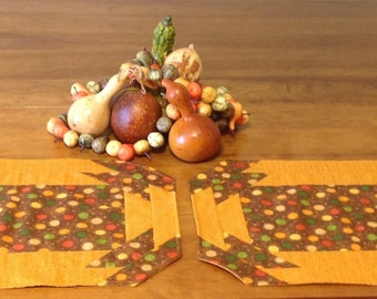 Set of 2 Dotted Placemats in Harvest Colors - Reversible