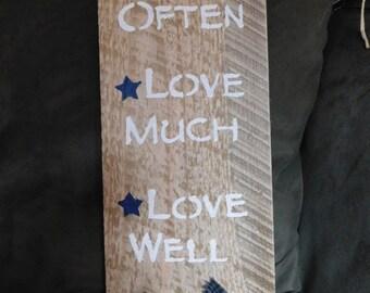 Primitive wood sign