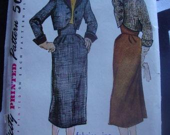 Simplicity Pattern #8488 1952 Bust 32