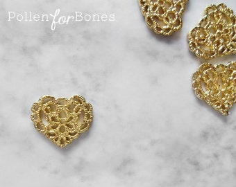 2pcs ∙ Gold Lace Heart Charm Cast Tatting Pendant Jewelry Supplies