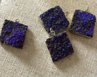Brilliant Agate Druzy Square with antique silver plate Pendant in Purple