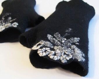 Black fingerless felted mittens