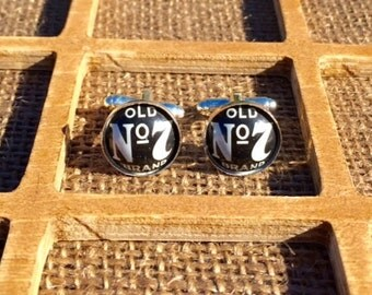 Jack Daniels JD Bottle Cap Cufflinks - Gift for Groomsman Christmas Birthday Anniversary Boyfriend Father Wedding Man Cuff Links
