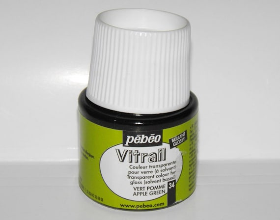 Pebeo vitrail 34 apple green color imitation of stained for Solvent based glass paint