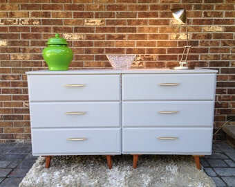 Pair of dressers,small dresser,nightstands,chest of drawers,mid century,mid century modern,retro,vintage