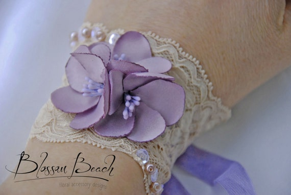 Lavender floral prom,bridesmaid corsage/wrist cuff;wedding corsage;bridesmaid wrist cuff