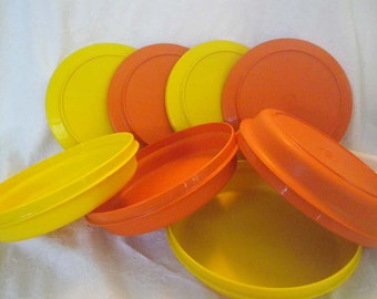 Eight piece Vintage  TUPPERWARE Harvest Colored Seal N Serve Bowls w/Lids~ Plates