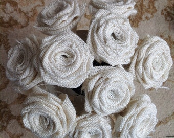 Mixed Hessian and Lace Roses x 9