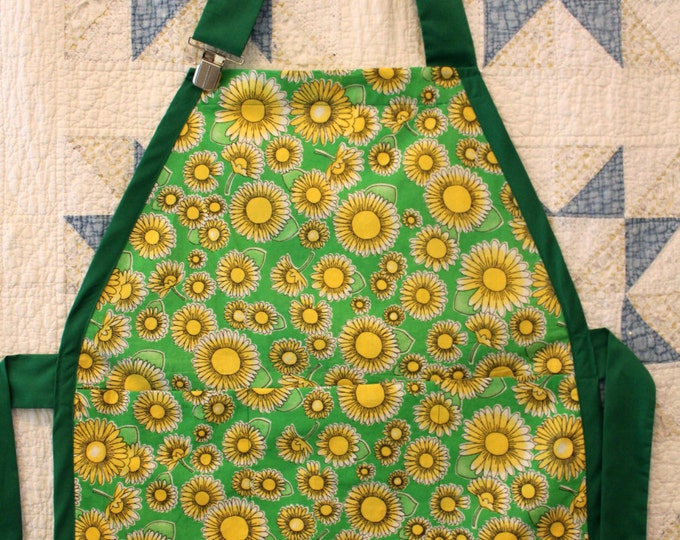 HALF PRICE ** Country Cooking, Cleaning, Gardening Apron in John Deere Green. Huge Pocket on Front! Metal Clip secures Adjustable Neck Tie.