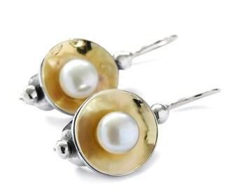 Pearl two tone earrings, Silver Gold Pearl Earrings, Vintage style Bridal earrings, Sterling silver 9K yellow gold, everyday dangle earrings