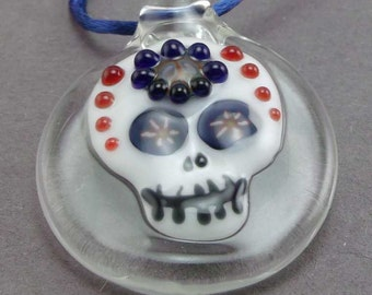 Hand blown sugar skull , boro , pyrex , pendant / keychain / backpack , or purse zipper pull / bauble