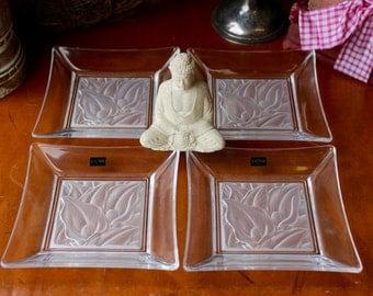 Beautiful Hoya Crystal Plates (Set of Four) Calla Lilies by T. Yamamoto