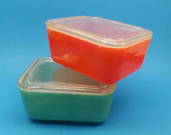 Mckee Refrigerator Dishes, Red and Green