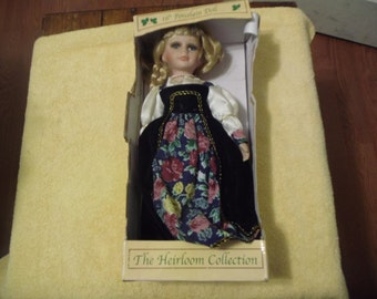 16 inche Heirloom Collection Ornamental Porcelain Doll Limited Edition