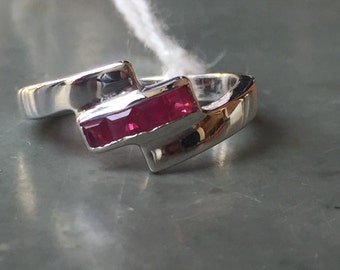 AAA quality natural red ruby ring in 925 sterling silver