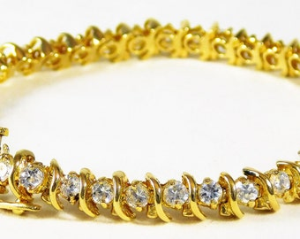 Stunning 14k Gold Diamond Tennis Bracelet