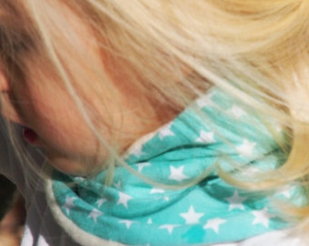 Child infinity scarf, toddler and kids loop, BABY BLUE and STARS loop scarf. Cotton jersey, cotton fleece internal side