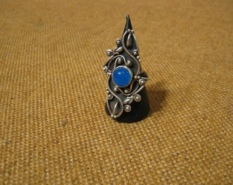 Gorgeous Early Vintage Silver Blue Chalcedony Long Finger Ring 11.2 Grams.