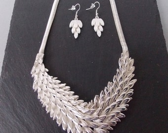 Silver Feather Statement Necklace and Matching Earrings Set -UK SELLER